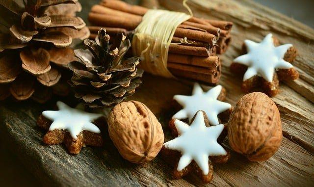 Buy Custom Tree Ornaments Before the Holiday Rush